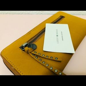 Genuine leather wallet lucky brand
